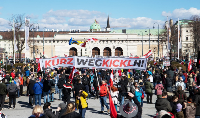 Thousands turn out for Vienna anti-lockdown protest