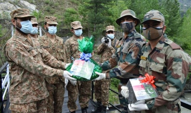 Kashmir: Eid-ul-Fitr breaks ill will at LoC as Indo-Pak armies revive sweets exchange tradition