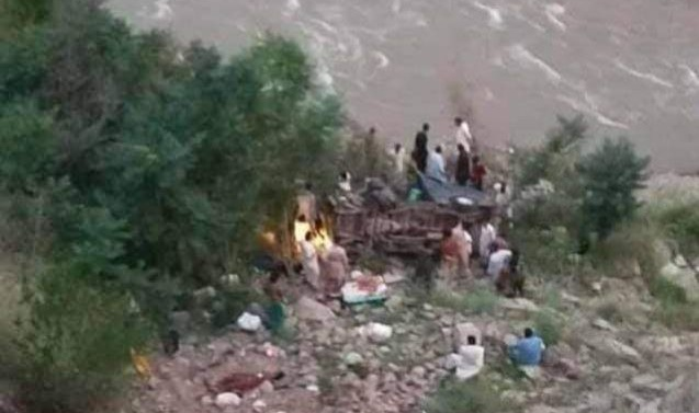 10 killed as passenger bus falls onto bank of River Jhelum near Muzaffarabad