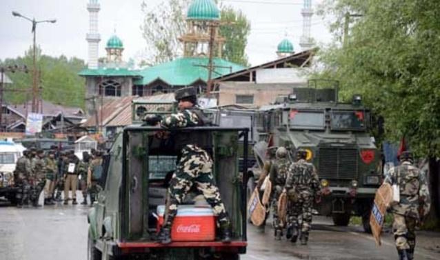 Kashmir: Police claim Top LeT commander, his aide killed in Srinagar
