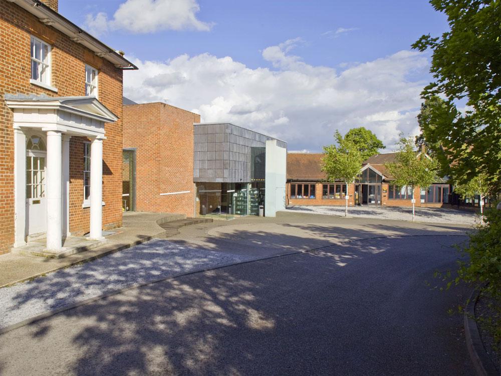 Windsor and Maidenhead ColourWheel Art Classes