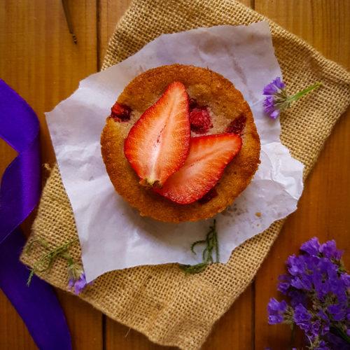 Semolina Strawberry Mini Cakes