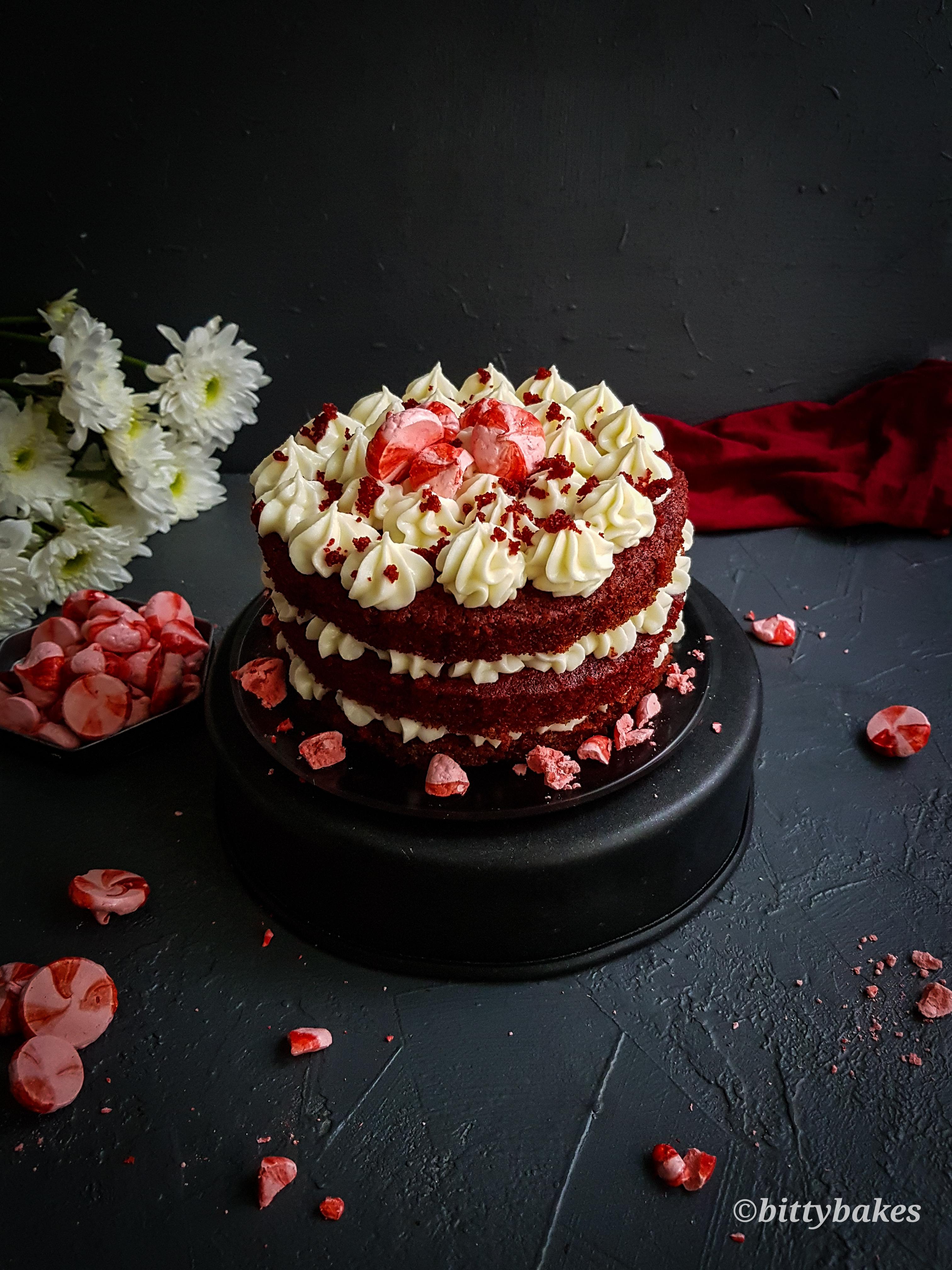 one-bowl eggless red velvet cake