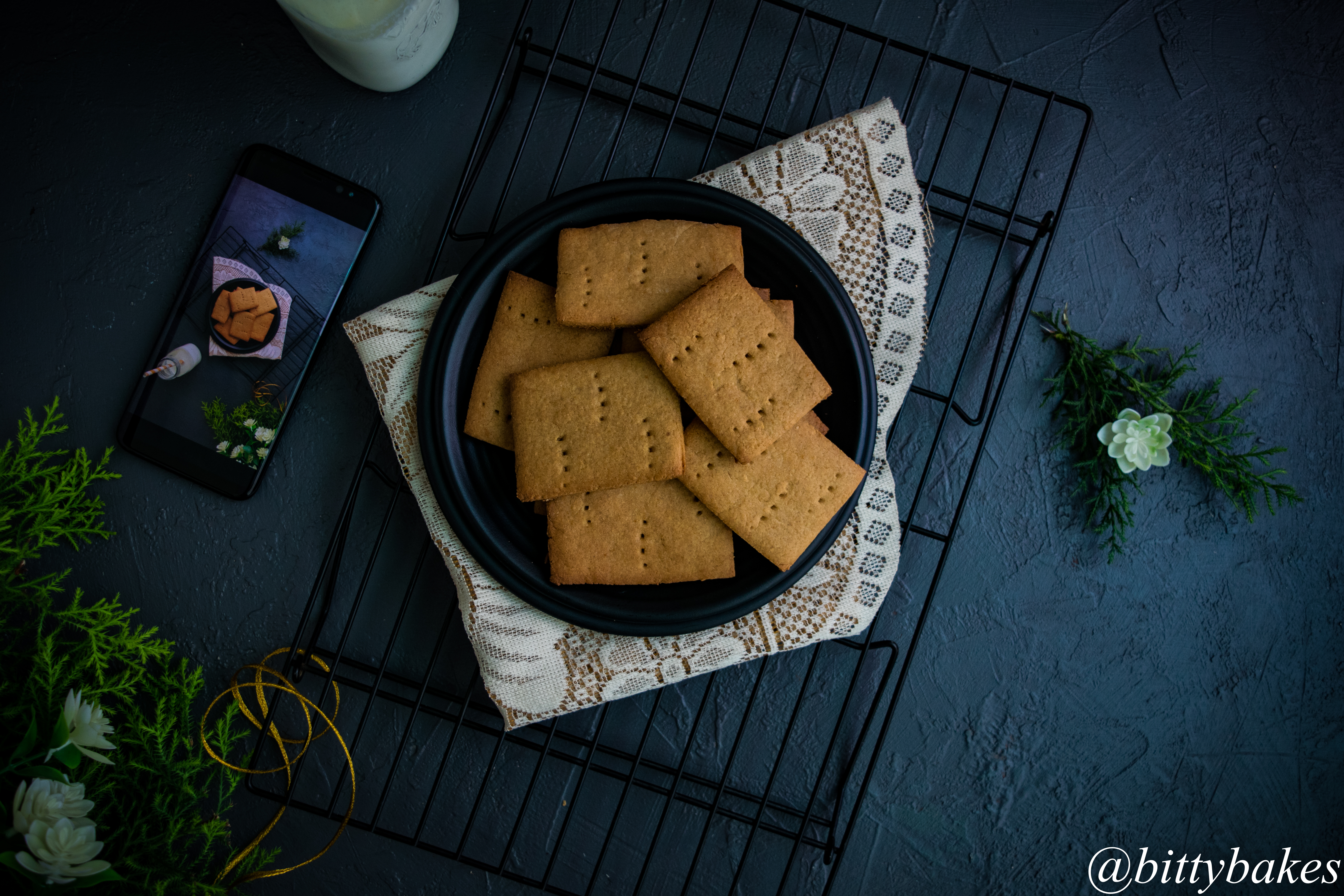 Homemade Graham Crackers in Cooker and Oven
