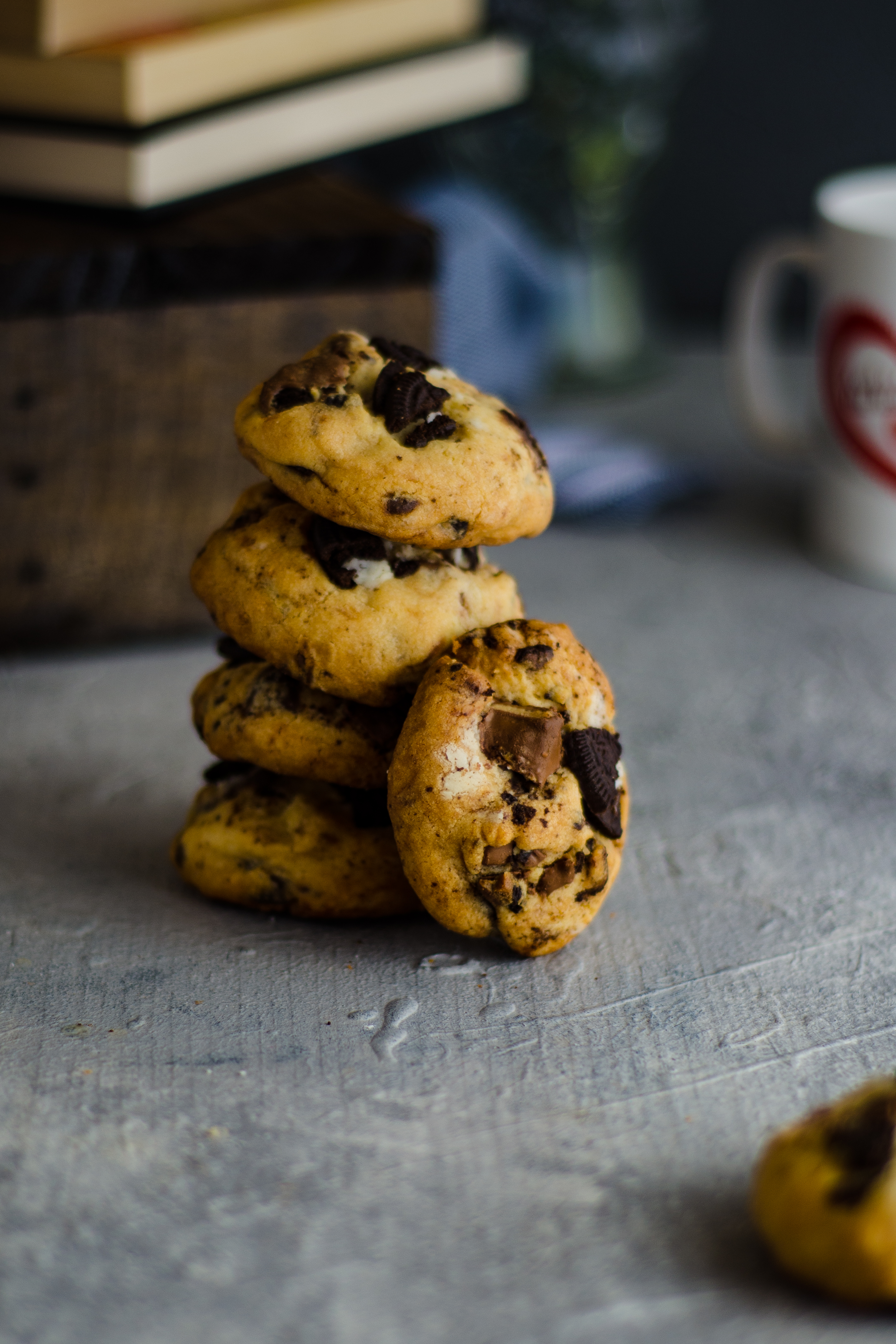 chocolate oreo overloaded cookies