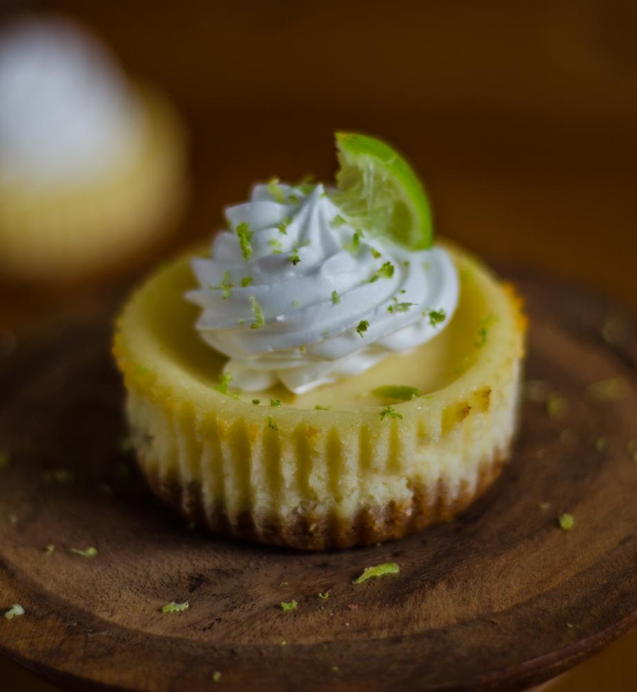 mini baked lemon cheesecake
