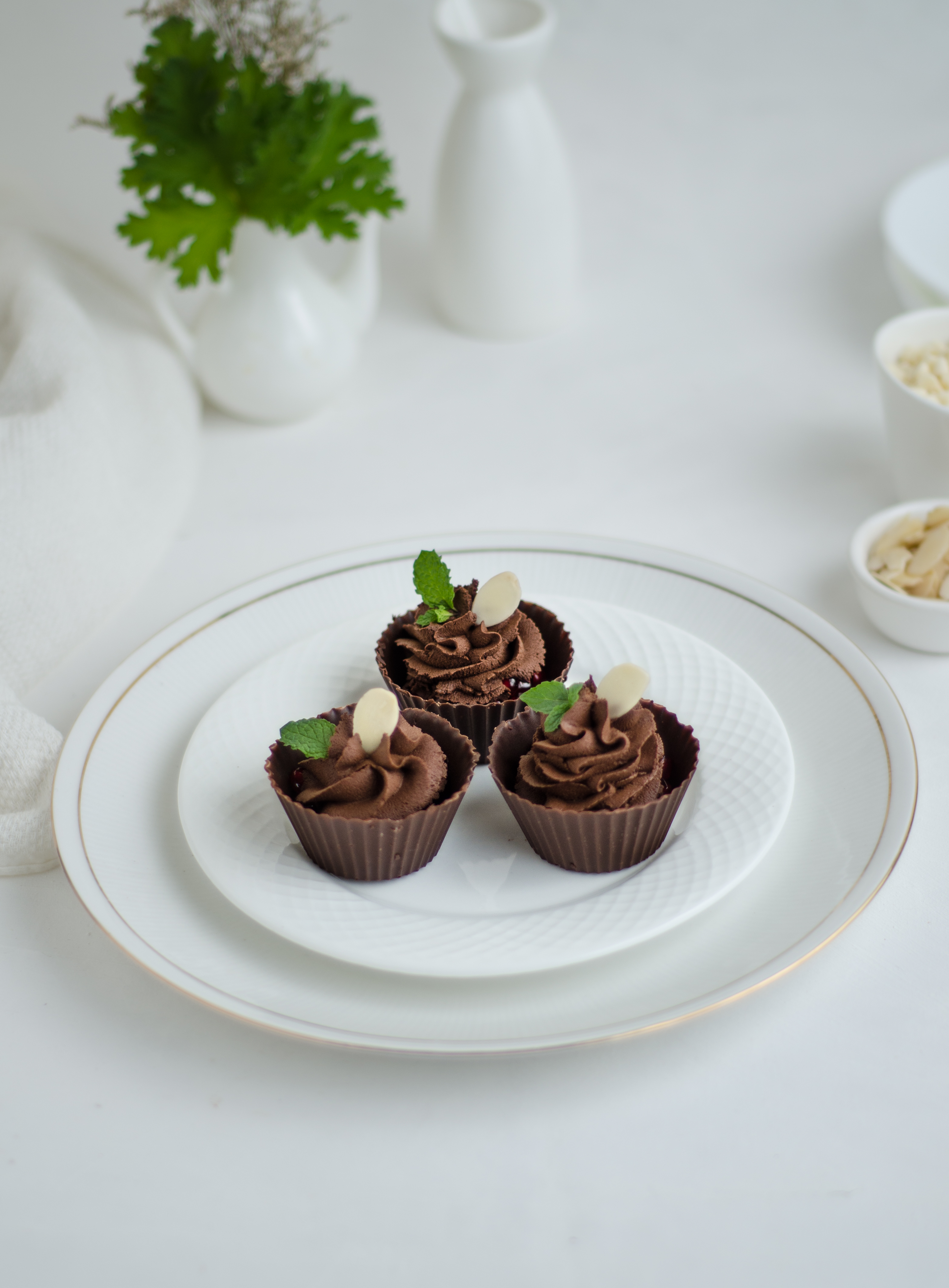 dark chocolate wine mousse cups