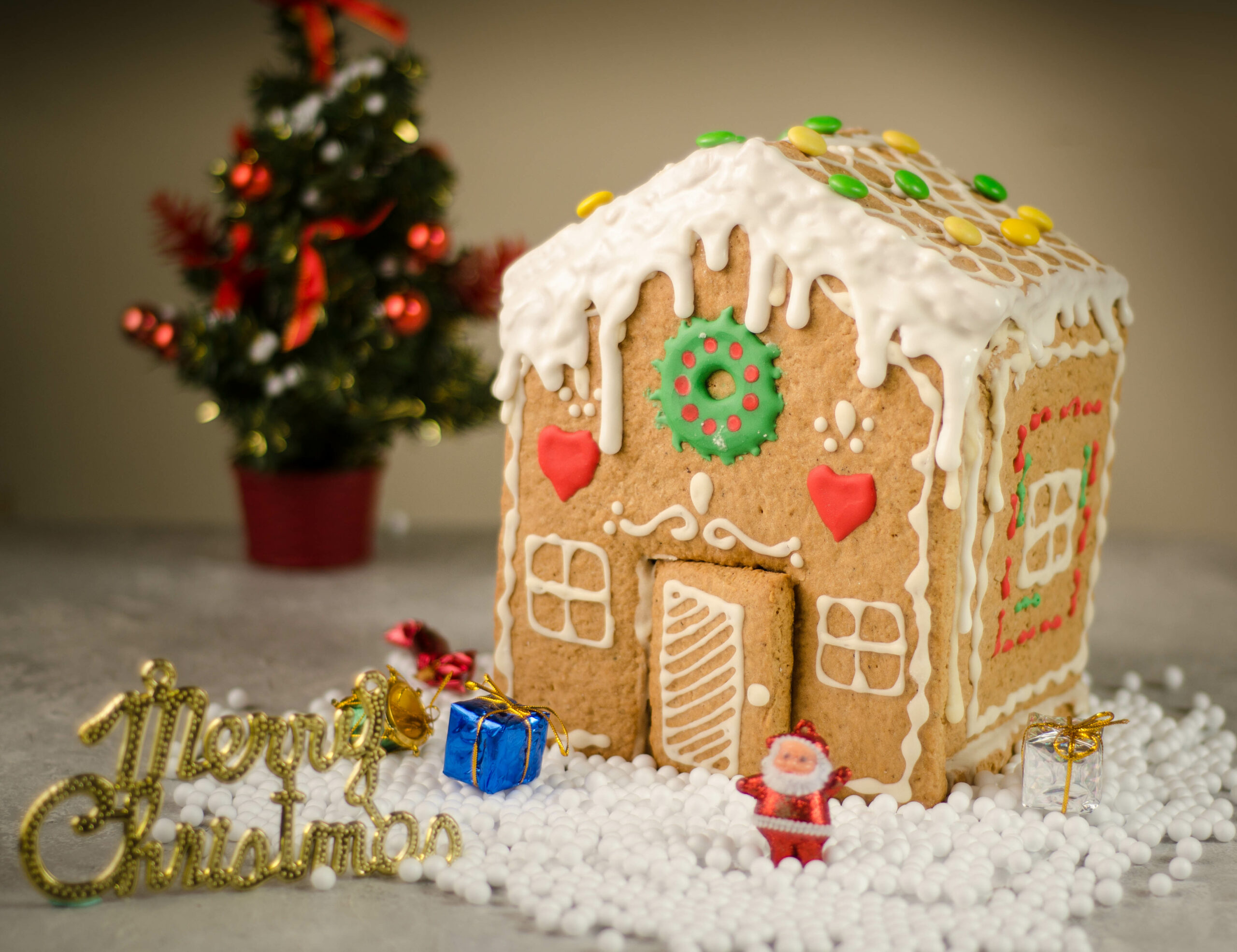gingerbread cookie house