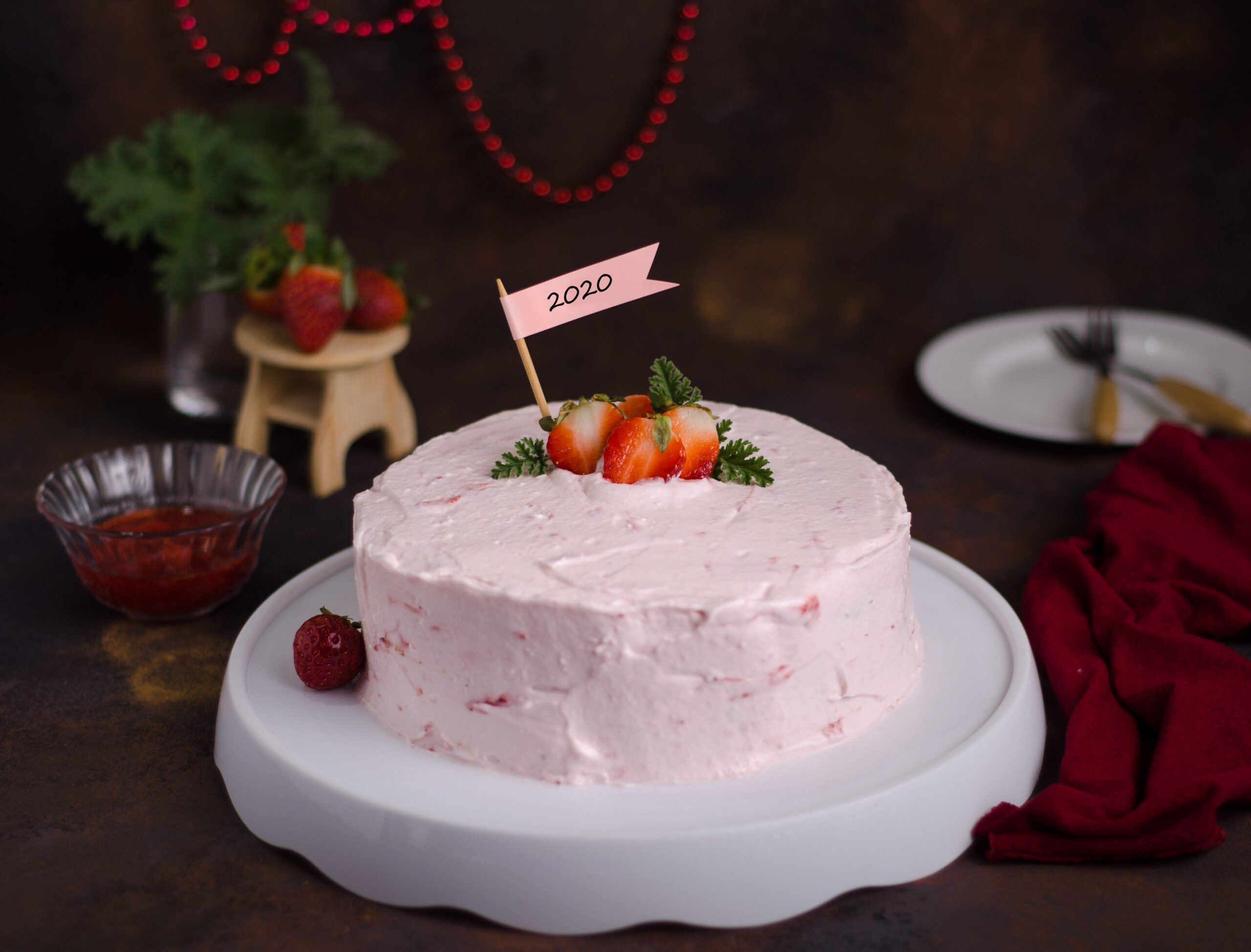 strawberry cake mascarpone cream