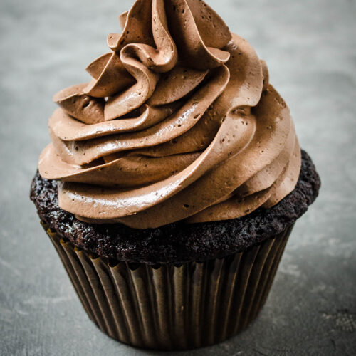 Chocolate cupcakes, super moist chocolate cupcakes, easy cupcakes, best cupcake recipe