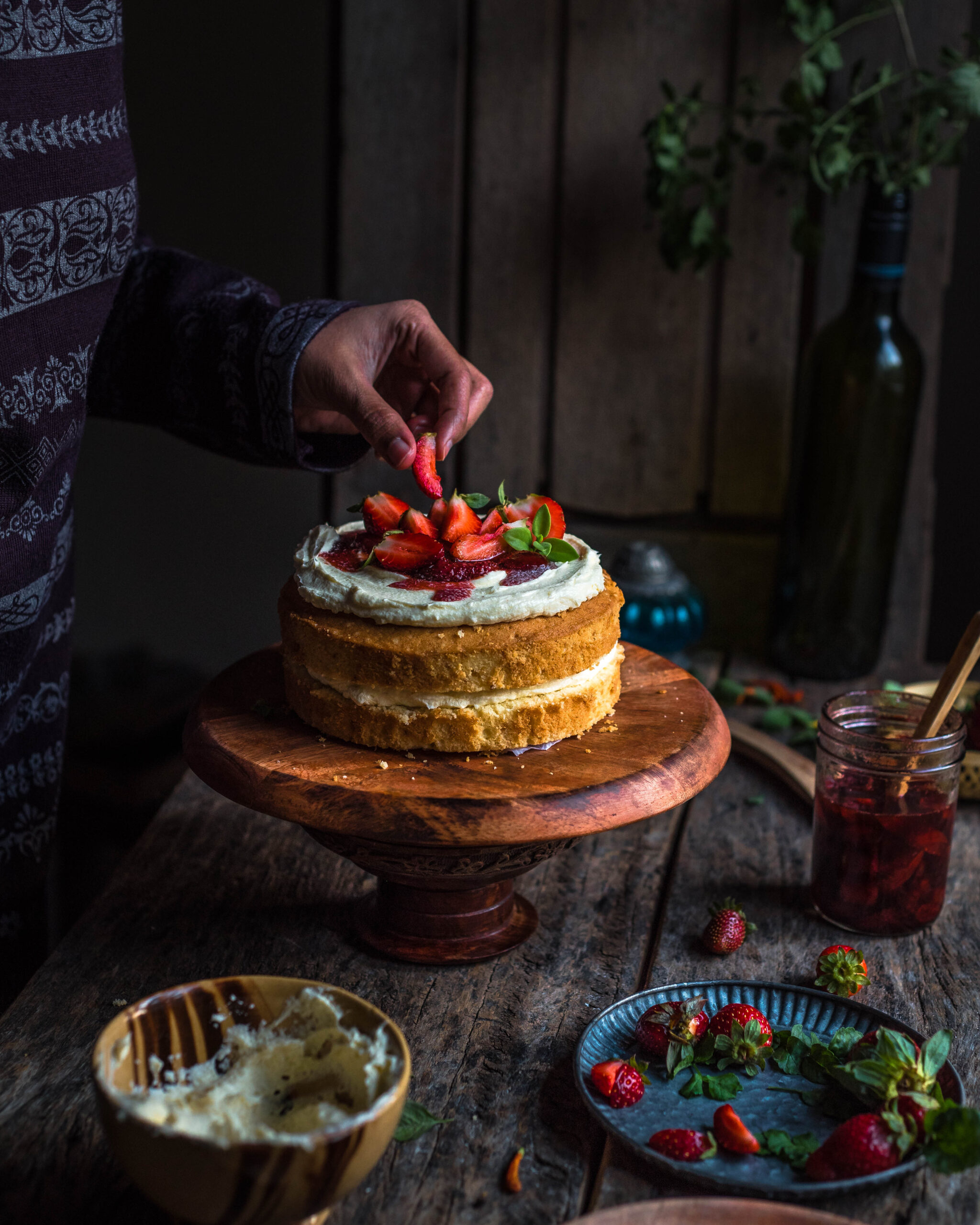 Vanilla cake, sponge cake, super soft vanilla sponge cake, easy cake, cake photography, cake decorating, easy sponge cake recipe