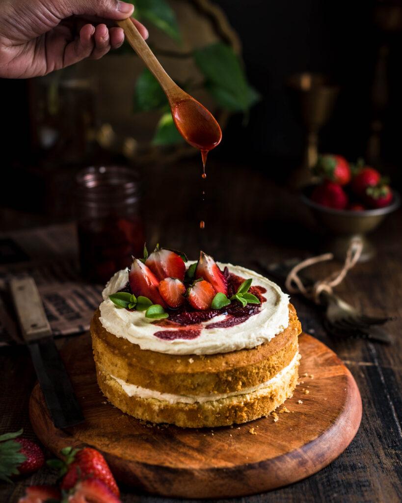 vanilla cake, sponge cake, easy sponge cake, super soft vanilla sponge cake, easy cake recipes, cake decorating, food photographer in bangalore, bangalore food stylist, bangalore food photographer