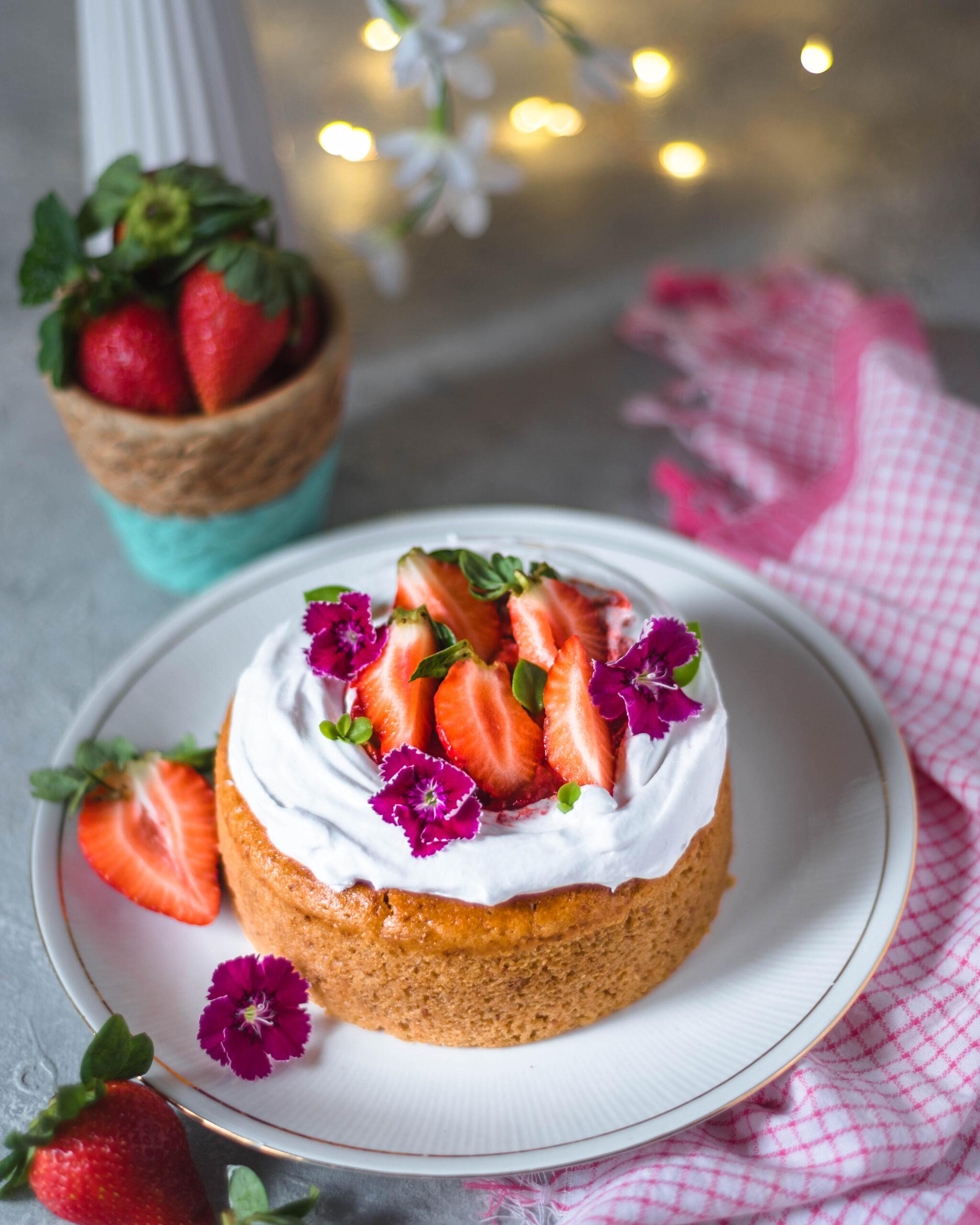 eggless strawberry cake, strawberry cake, easy strawberry cake, strawberry cake recipe, eggless cake, eggless cake recipe, easy eggless cake, easy dessert recipe, cake photography, strawberry recipes