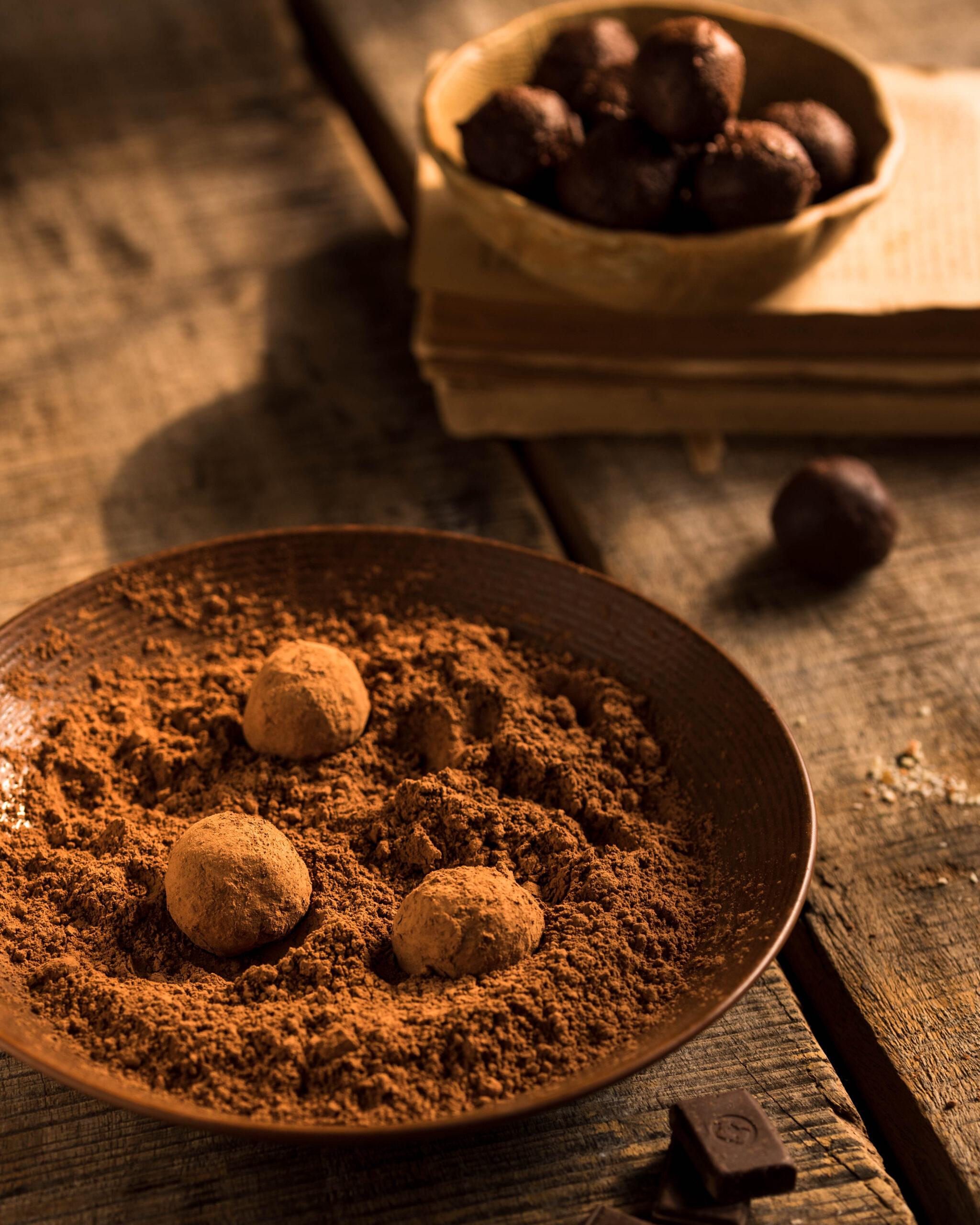 dark chocolate truffles, 2 ingredient desserts, simple desserts, simple snacks, easy dessert recipe, easy snack recipe, easy dark chocolate truffle recipe
