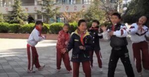 פוגשים ילדים סינים