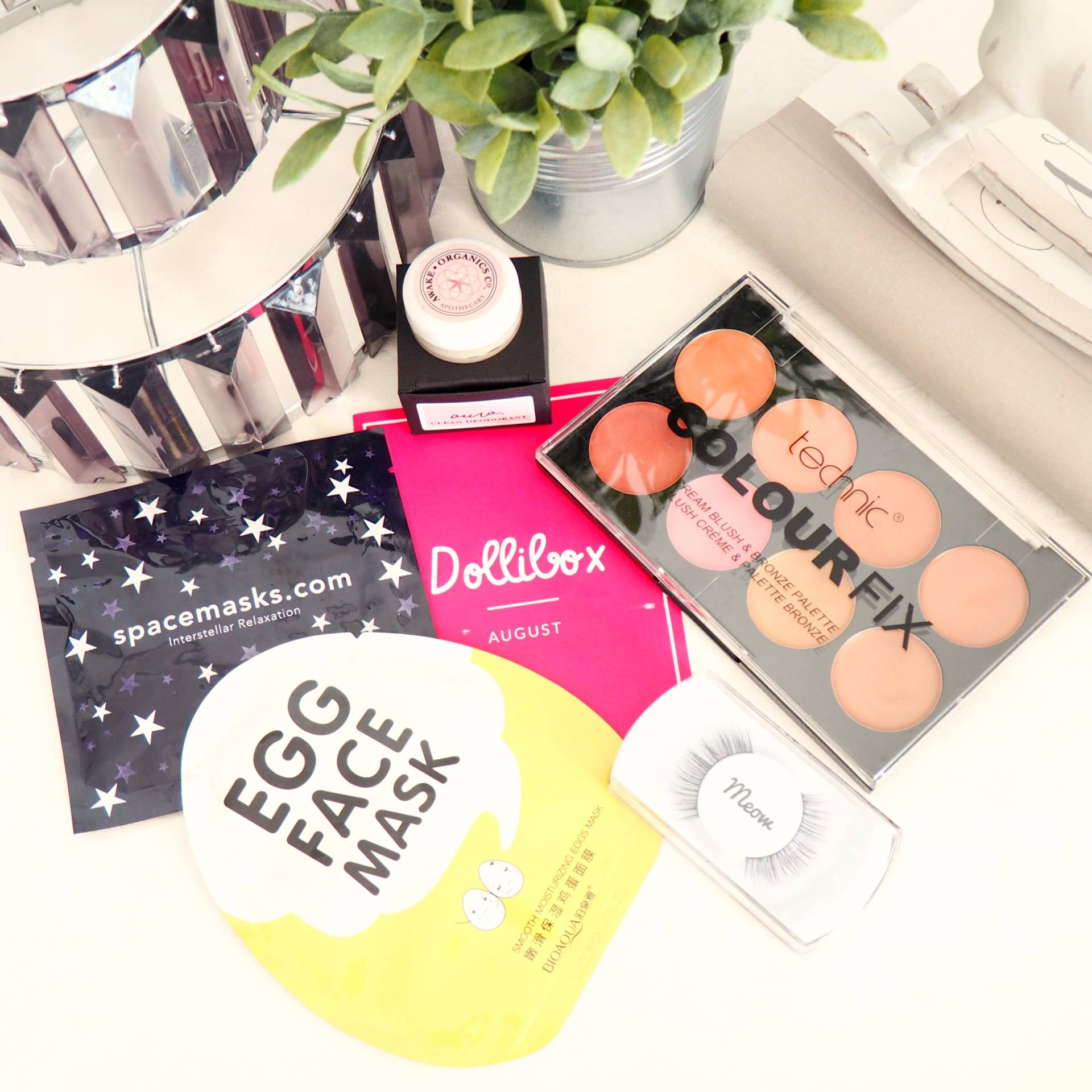 Dollibox August 2017 Review