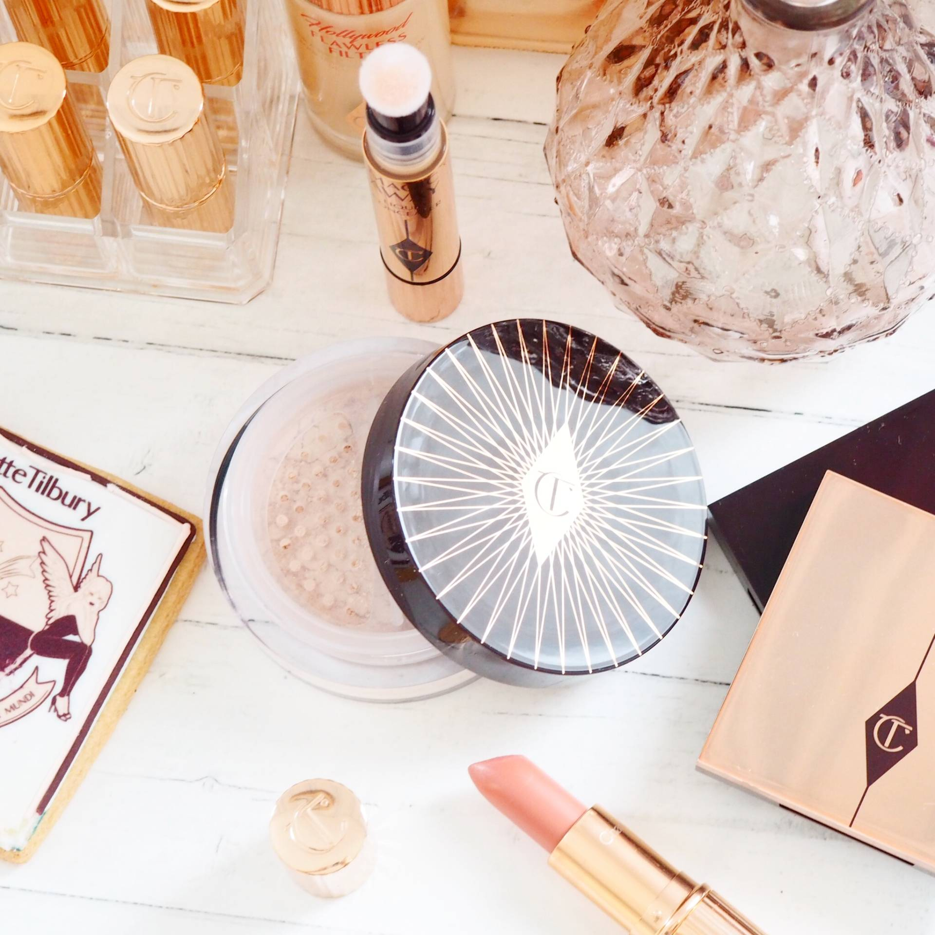 Charlotte Tilbury Genius Magic Loose Powder Review