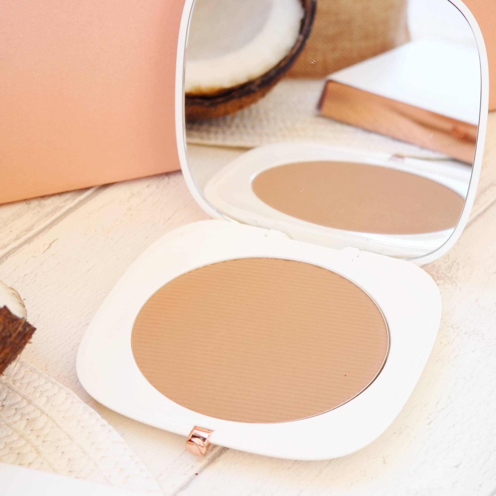 Marc Jacobs Omega Bronzer Review