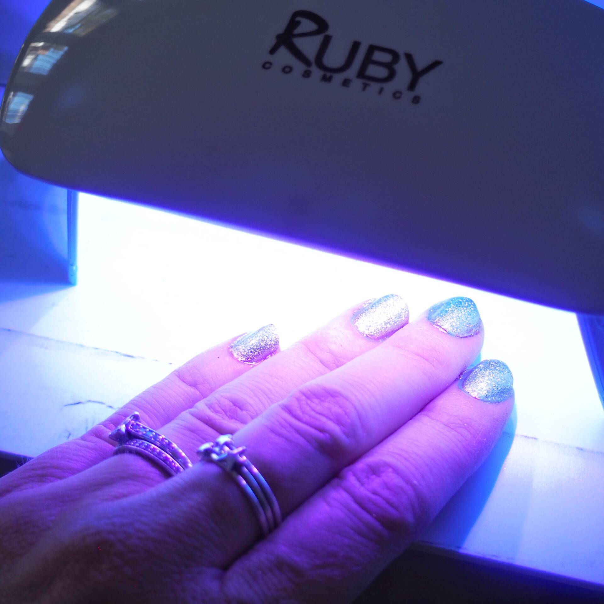 led-lamps-for-nails