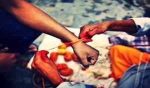 Religion & Astrology: हाथ में कलावा या मौली क्यों बांधी जाती हैं ? इसके पीछे क्या है वैज्ञानिक कारण, जानिए
