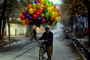 Happiness is Free: बहुत हद तक ये आप पर निर्भर करता है कि ज़िंदगी के प्रति आपका नज़रिया कैसा है ?