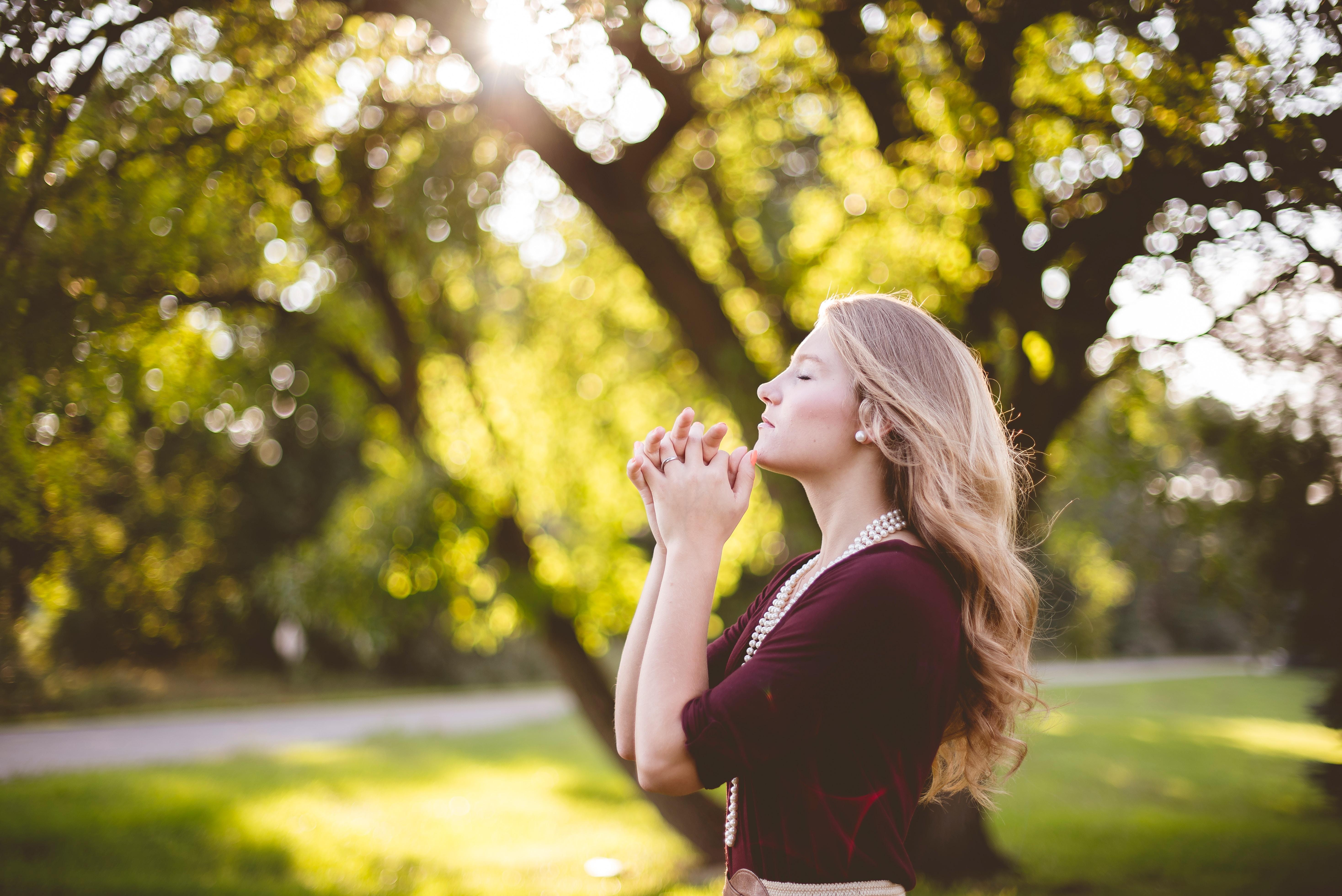 Way to Spirituality: कौन कहता है कि भगवान आपको सुन नहीं रहे हैं? मेरी मानिए एक बार पुकार कर तो देखिए…!