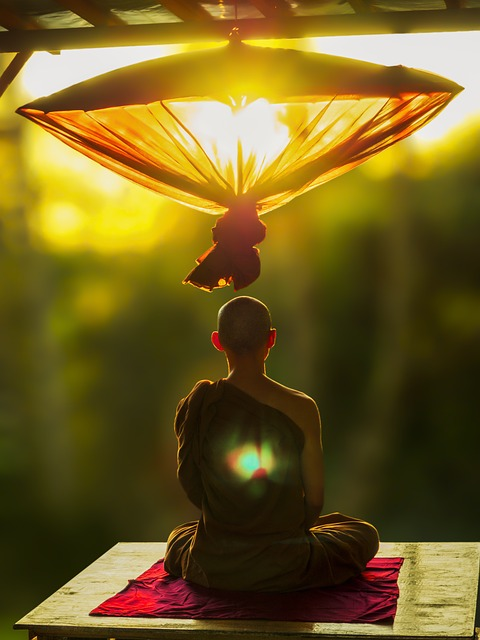 theravada-buddhism-2032364_640