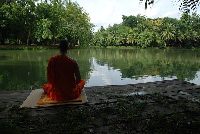 Way to Spirituality: अध्यात्म से हमारा जीवन कैसे बदलता है ?
