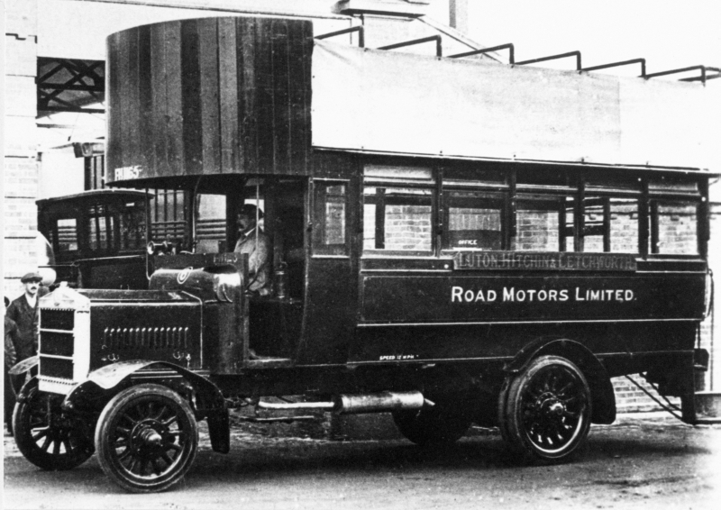 The Luton-Hitchin-Letchworth bus, 1917