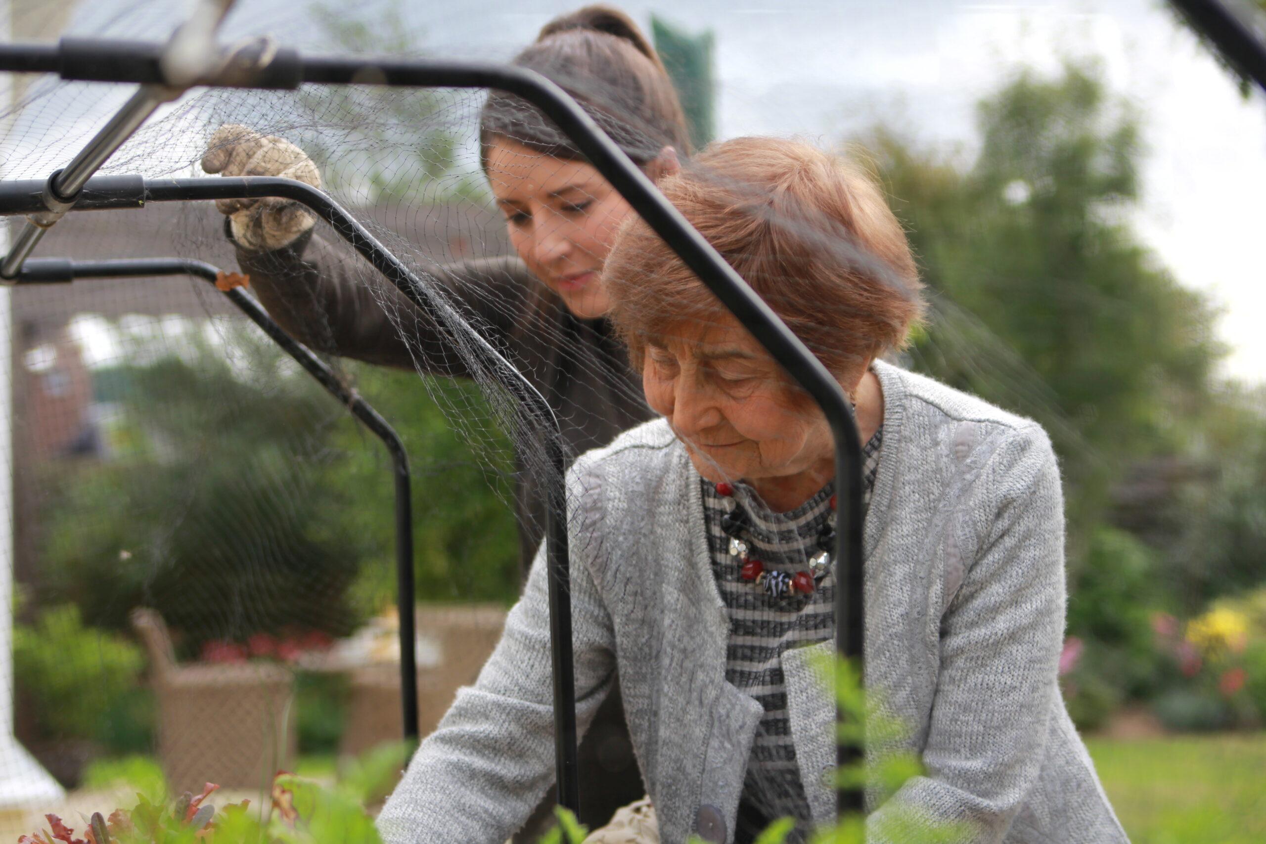 dementia carer, live-in carer, dementia care at home