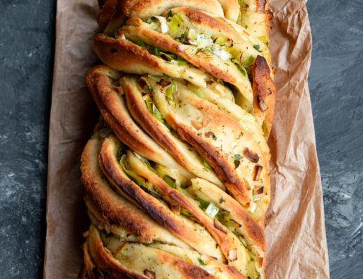 leek and garlic twist bread lucy nd lentils vegan
