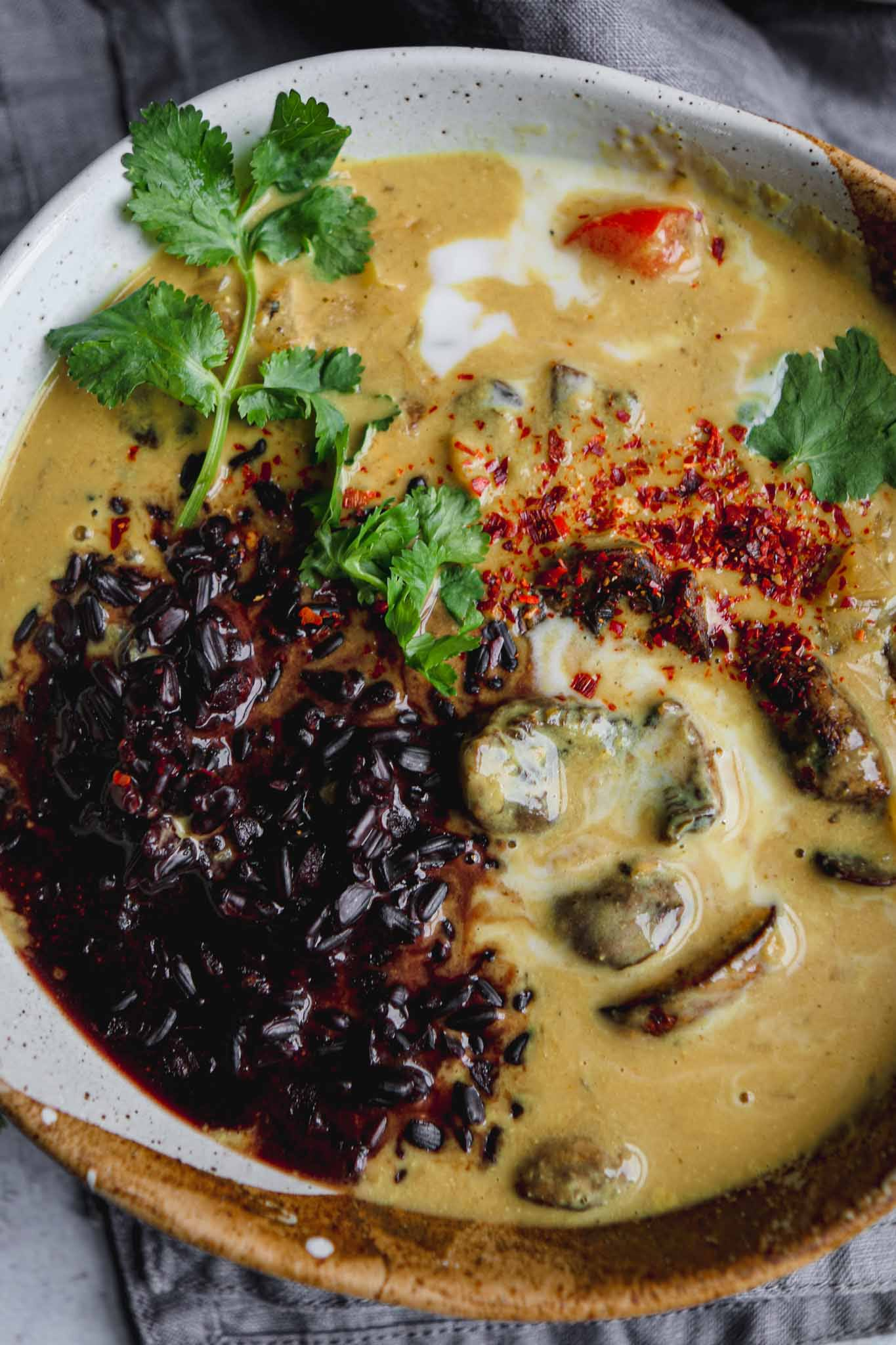 golden mushroom curry easy vegan recipe