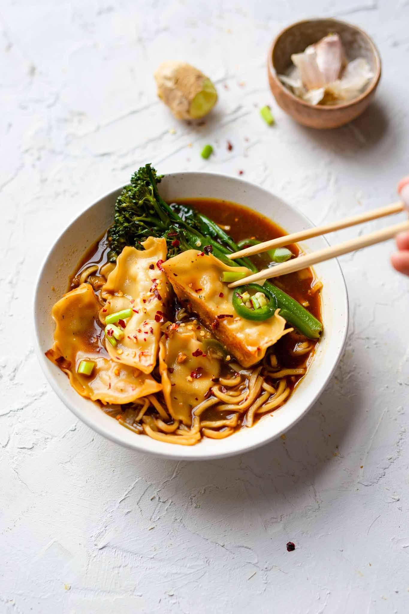gyoza noodle chilli soup recipe vegan