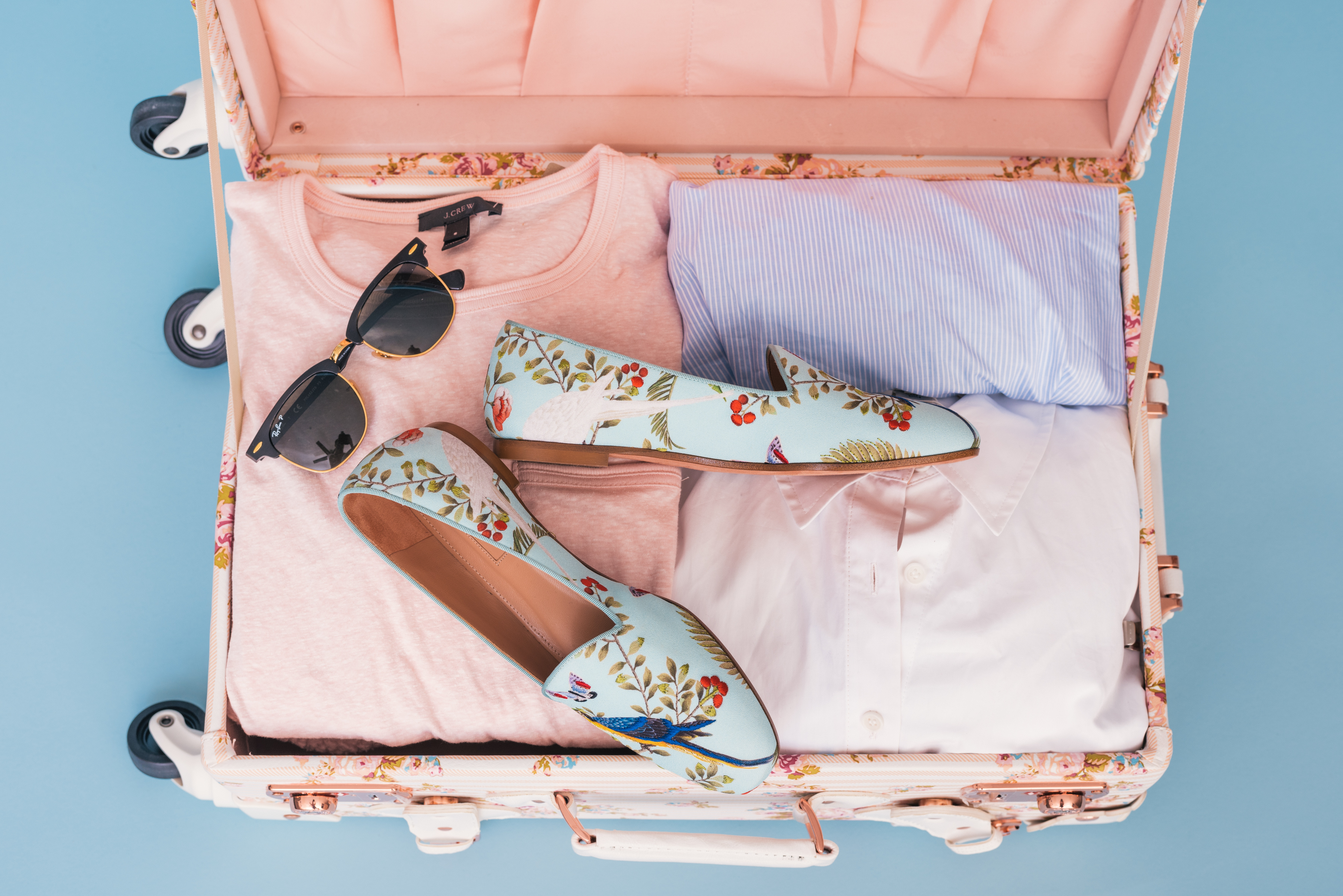 10 Top Tips for a Stress Free Suitcase