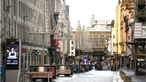 #Covid in #Scotland: #Streets_empty on day one of level 4 #lockdown