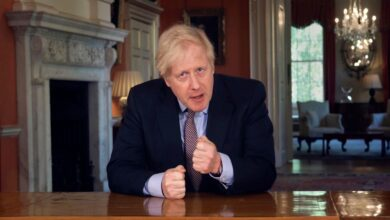 Johnson addresses workers in UK: work from home until April