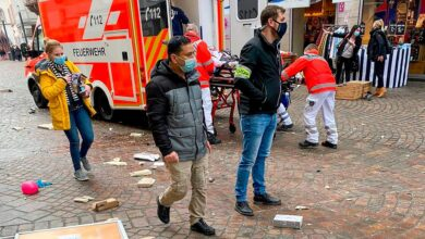 Car ploughs through Germany pedestrian zone left 5 dead