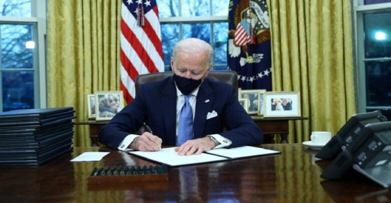 #Biden #signs first #executive actions as president, including mandating masks on #federal_property