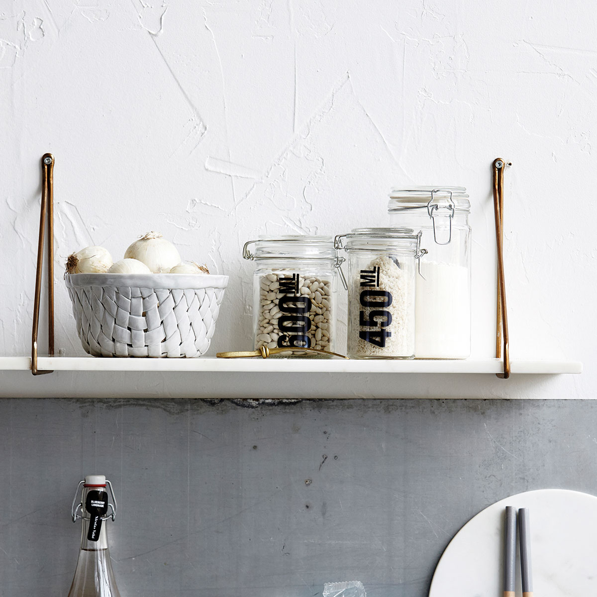 House Doctor white marble shelving close up cb0852