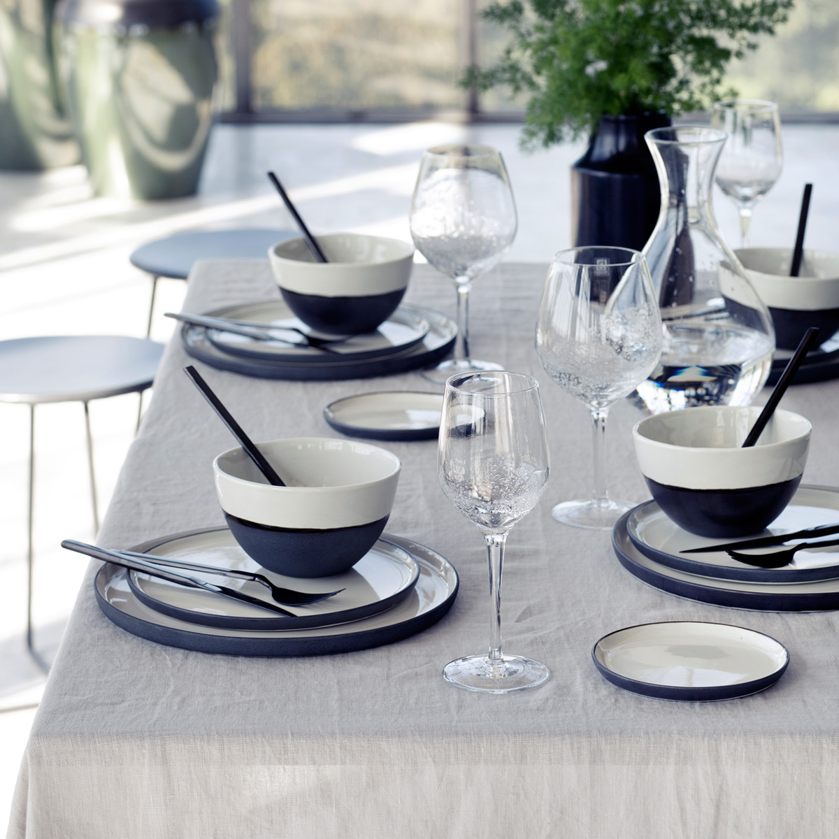 esrum-broste-dinnerplate-table-setting