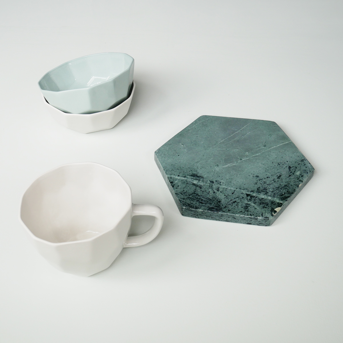 liv-interior-geometric-bowls-mint-&-white-with-green-marble-board