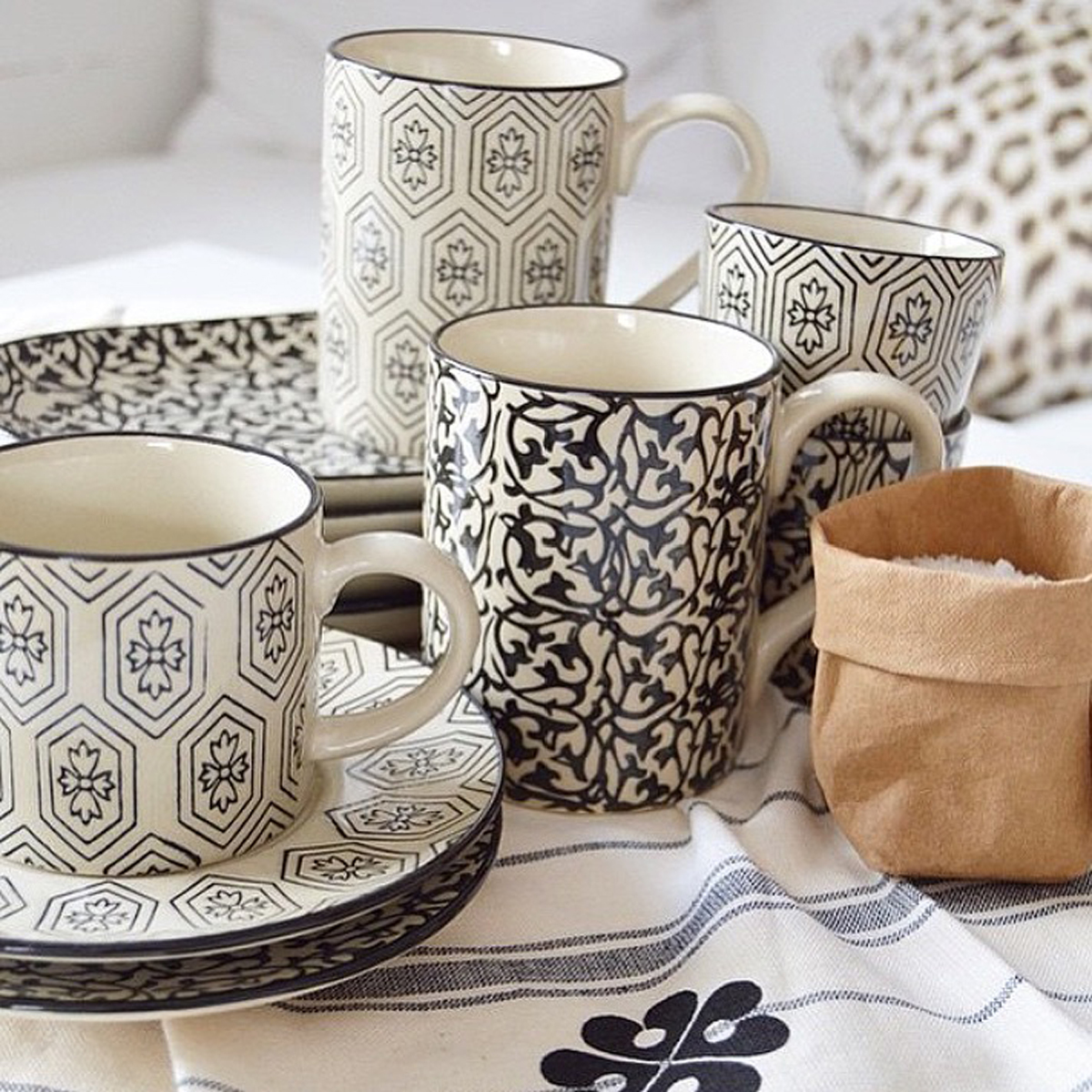 Day-Home-mugs-&-oval-plates-lifestyle-shot