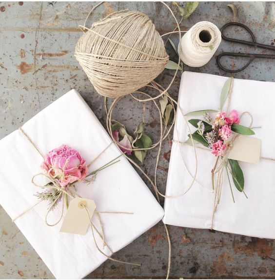 pretty gift wrapping