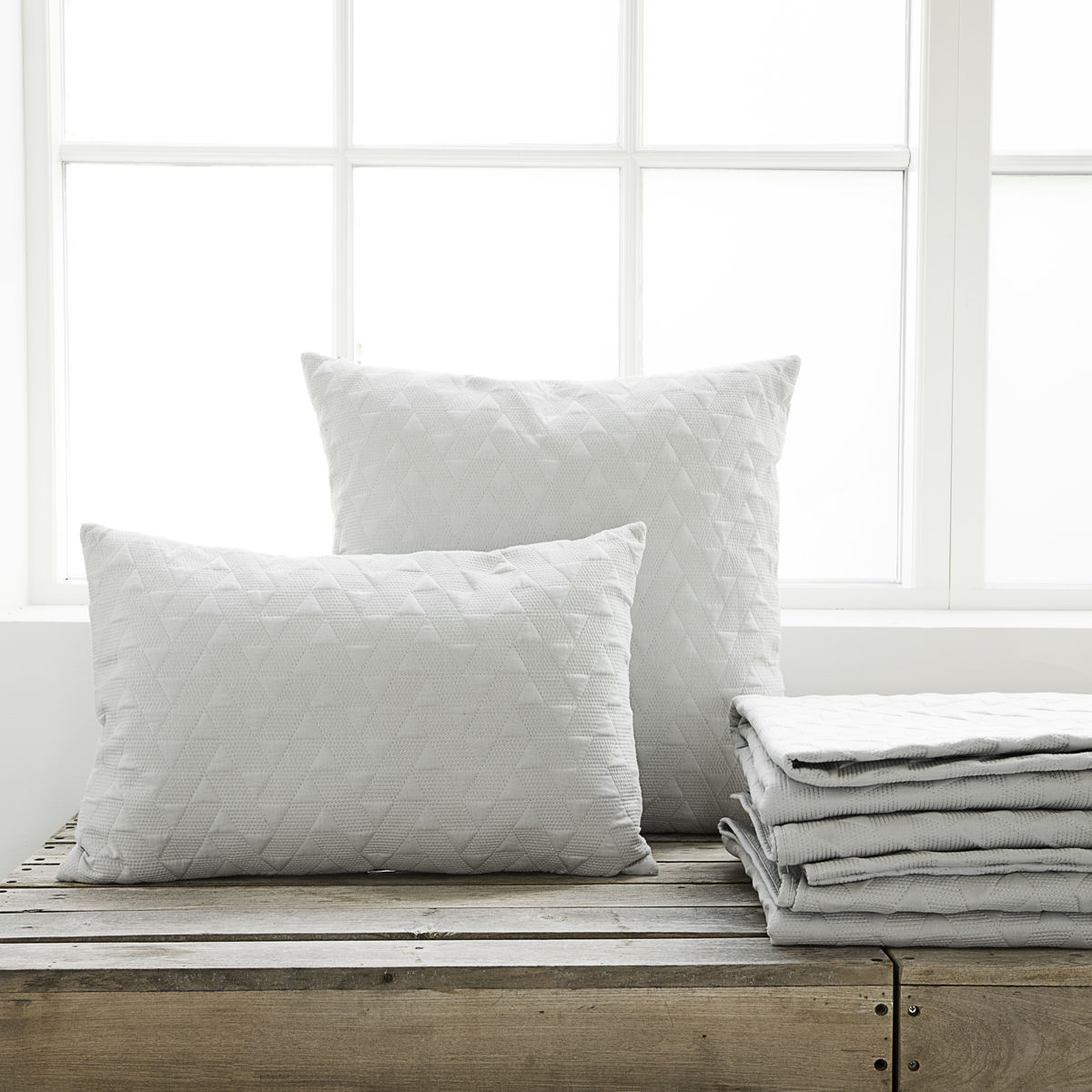 lm0603 Leh Grey Cushion with square cushion
