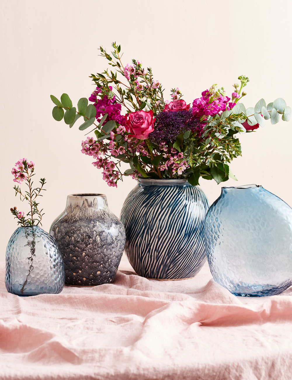 Bright-pink-Flowers-blue-Vases-House-87