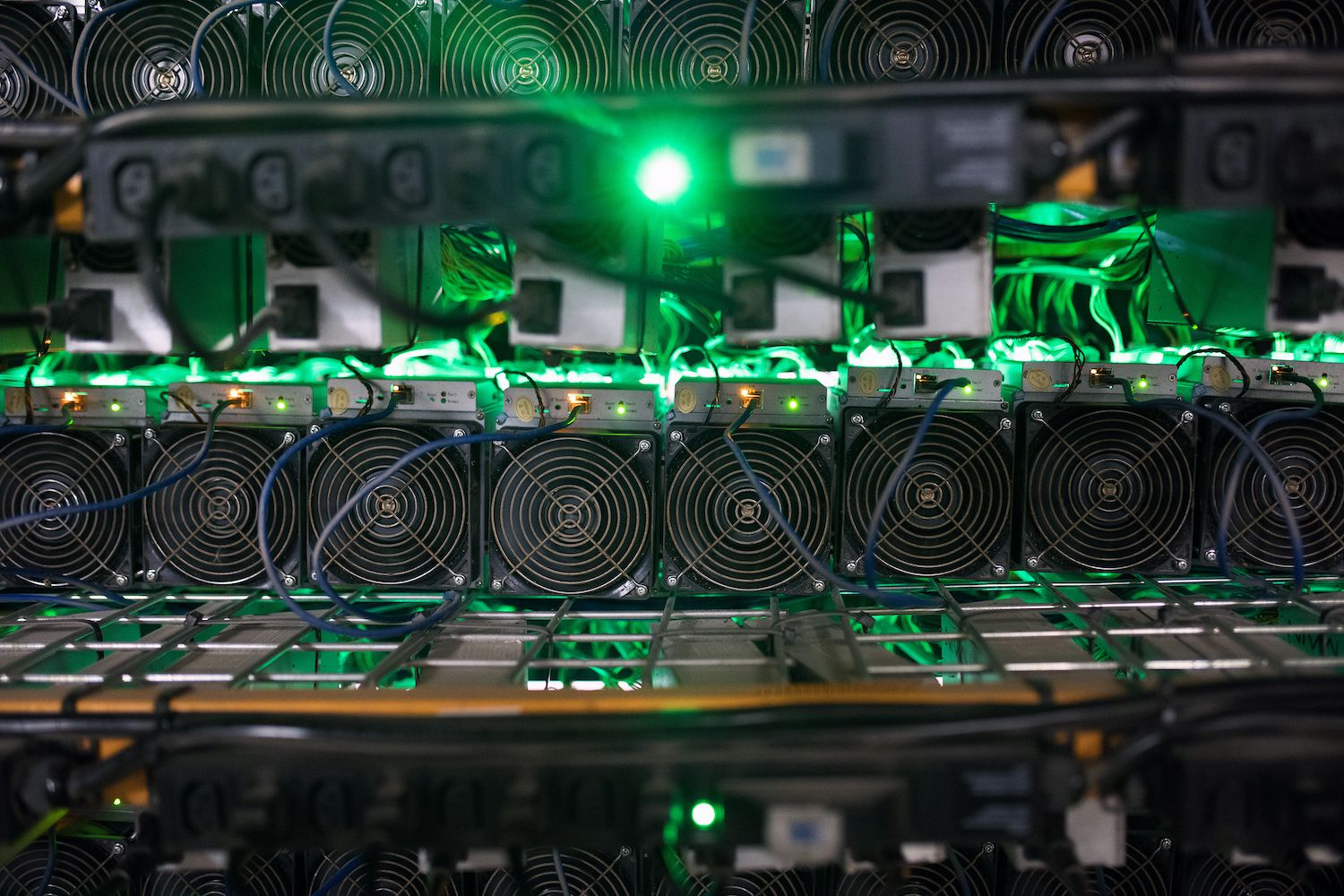 Gryphon Digital Mining to Buy 7.2K S19J Pro Antminers From Bitmain for $48M