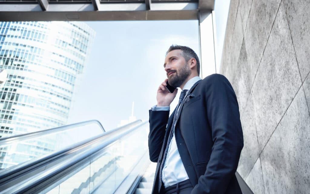 Serbus Urban Man on Phone