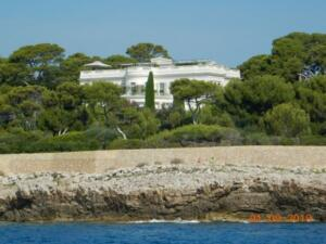Huge house on the tip of Cap D'Antibes, rumoured to be part of the settlement for one of Roman Abramovich's previous wives