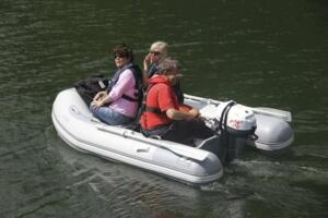 Yealm dinghy ashore