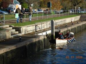 Shepperton Lock with an audience